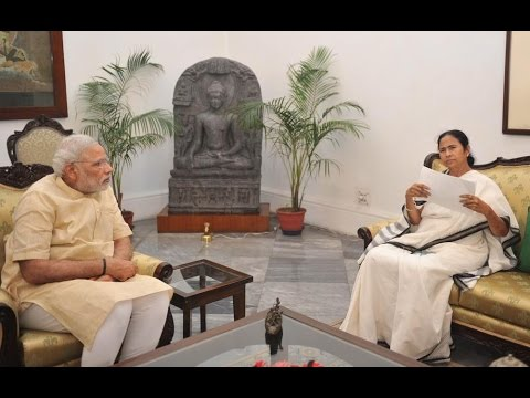 West Bengal's CM Mamata Banerjee Meets PM Modi !!!