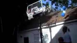 Дэвид Бекхэм играет в баскетбол ногами! David Beckham