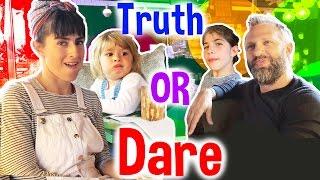 Truth or Dare Ako' yu Ağacta Kaşınan Ayı Yaptılar   Bizim Aile Eğlenceli Çocuk Videoları