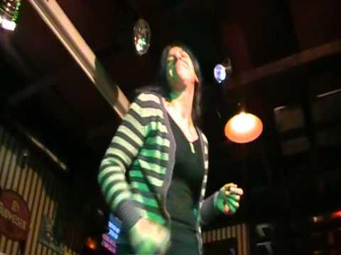"""Karaoke Match - Serata 3 - Anna Pignatelli canta """"Come se non fosse stato mai amore"""""""