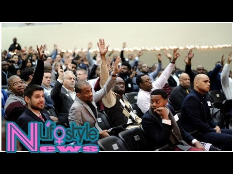"""Volunteer fathers show up for """"breakfast with dads"""" event at middle school in dallas"""