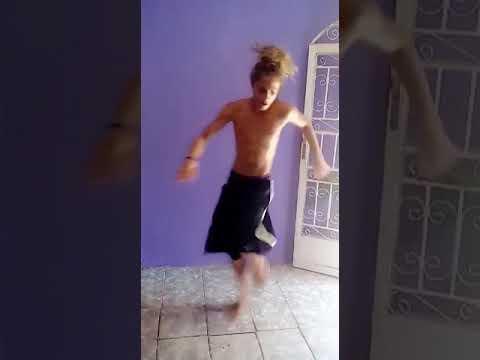 DANÇANDO FREE STEP N ESQUEÇAM DE OUVIR A RISADINHA GOSTOSA NO FINAL