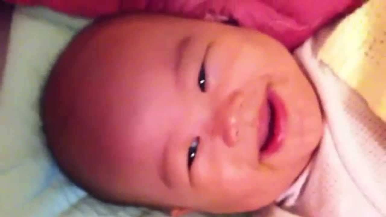 20140712-嬰兒笑聲 -笑到牽絲 - YouTube