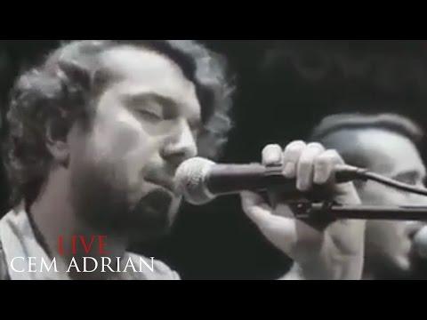 Cem Adrian & Halil Sezai - Uzun İnce Bir Yoldayım (Live)