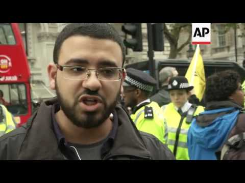 Pro and anti Sissi demonstrators turn out in London