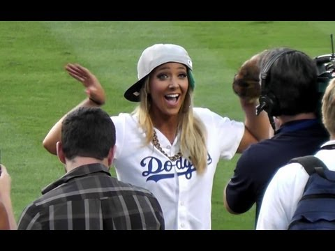 Jenna Marbles Throws PERFECT First Pitch at Dodger Stadium 7-26-2013