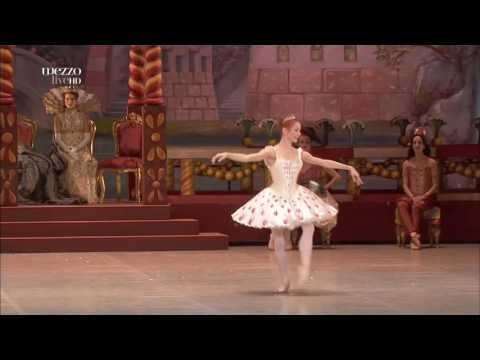 Nutcracker Sugar plum fairy - Iana Salenko