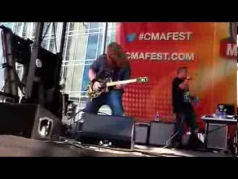 Big Smo guitar solo Travis Tidwell CMA FEST 2013