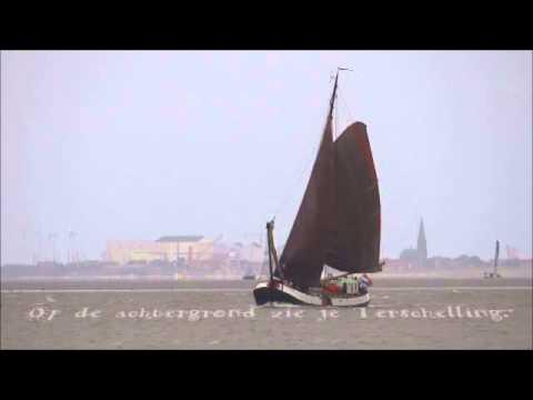 Nederland, waterland en platbodems. Netherlands, land of water, historic sailing vessels.