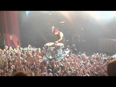 Twenty One Pilots - Crowd Surf Drum Solo