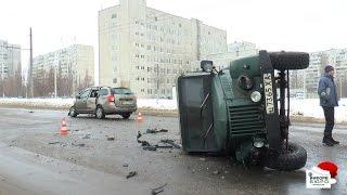 Renault против ГАЗ: авария на ул. Роганской