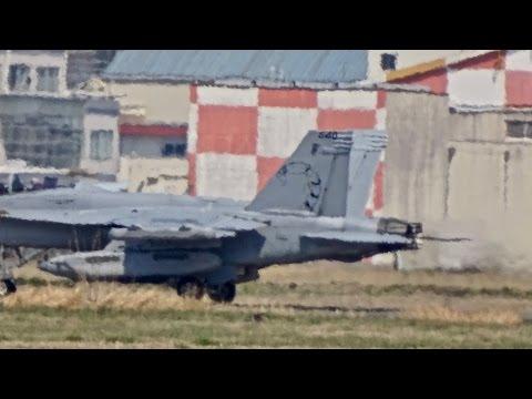 厚木基地の空-345 '17/4/5 (VAQ-132 EA-18G 3機飛来!)