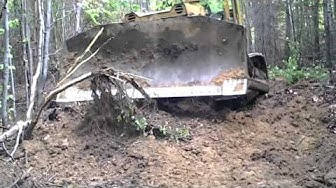 Stalinec T170 Buldozer,lesna cesta