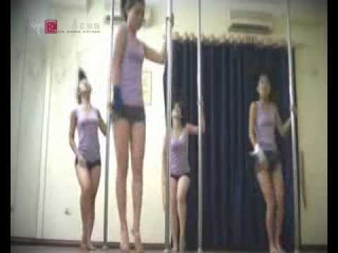 Thiếu nữ  múa cột