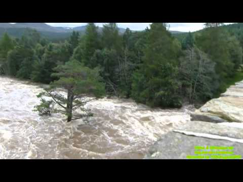 Fast flowing River Dee, Braemar / After effect of hurricane Bertha on 11/18/2014 / Full HD