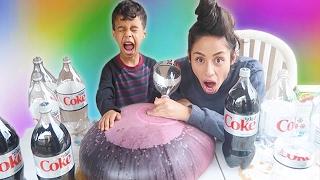 WUBBLE BUBBLE Diet Coke MENTOS EXPERIMENT! EXPLOSION!