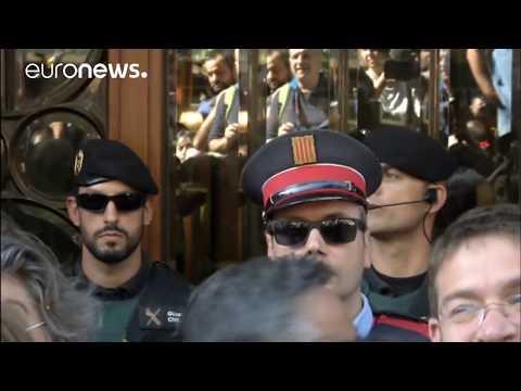 Alta tensión en Cataluña tras operación de la Guardia Civil contra el referéndum