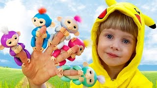 Funny Kids song - Five little Monkey Jumping on the bed with finger's colors monkeys by iFinger