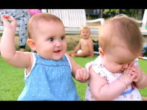 Bebés gemelas - LA PELEA MÁS TRISTE (O ADORABLE) Mellizas Eider, Anne + Globo
