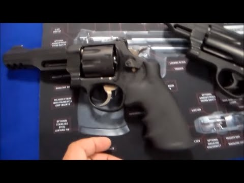SMITH AND WESSON M&P R8 SHOOTING