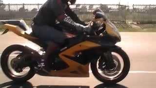 Suzuki K6 GSX R 1000cc slash cut exhaust sound, in motion