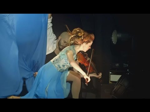 Lindsey Stirling - Take Flight [Live]