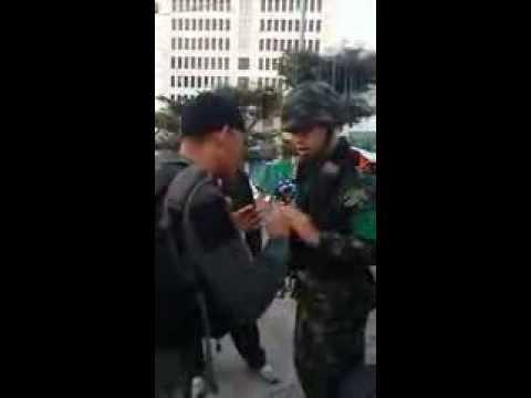 ตำรวจ vs ทหารหน้าปตท.ก่อนปฎิบัติการยึดคืนพื้นที่ !!