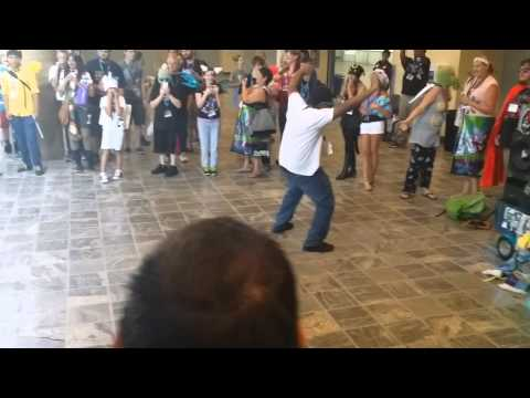 Bronycon 2014 Lobby dance party