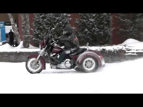 Heritage HD Trike in snow 2015