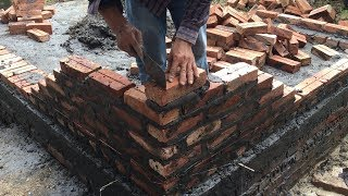 Smart Construction Worker Laying A Brick The Accurate - Building Brick Walls Easily