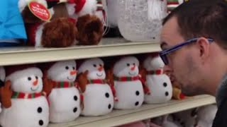 Talking Snowmen Toys Say HAIL SATAN! | What's Trending Now