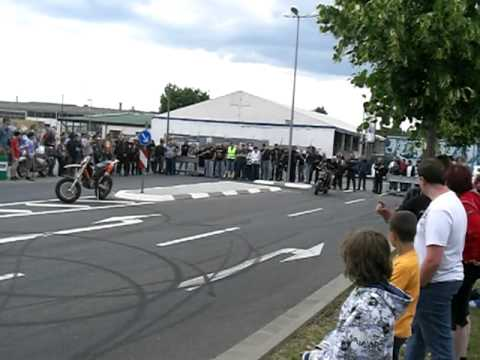 stuntshow ktm ronzheimer bad kreuznach sk bikes teil 3 youtube. Black Bedroom Furniture Sets. Home Design Ideas