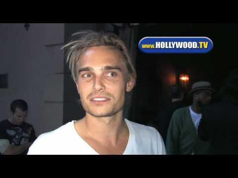 Joey Kern Hit Hollywood Night Club.