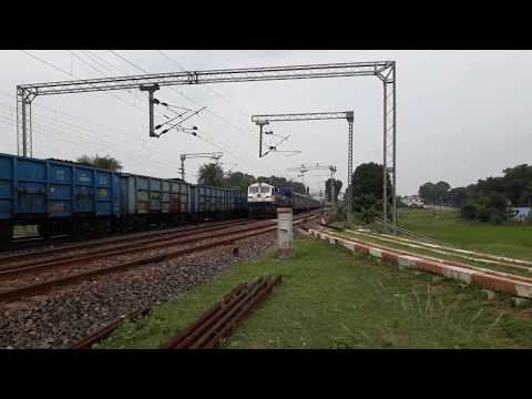 EMD Thrust | Humming WDP4D Ispat Express thunders at MPS with amazing track sounds !