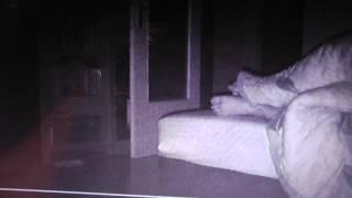 Заснял нечто ДОМОВОЙ , фантом(фантом w majom dome w 2 4esa nozi ja pastawil video kameru i snal letajushi shar po maei kwartire iswenite sa plahoe kazestwa., 2012-11-24T16:24:00.000Z)