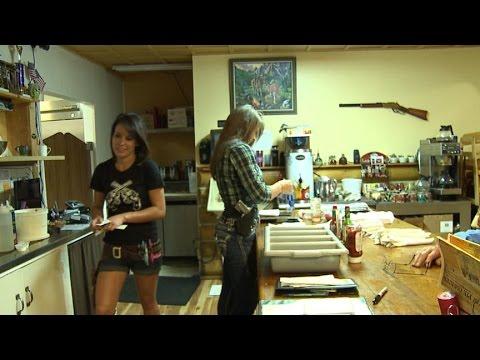 Colorado Restaurant Staff Proudly Open-Carries Handguns