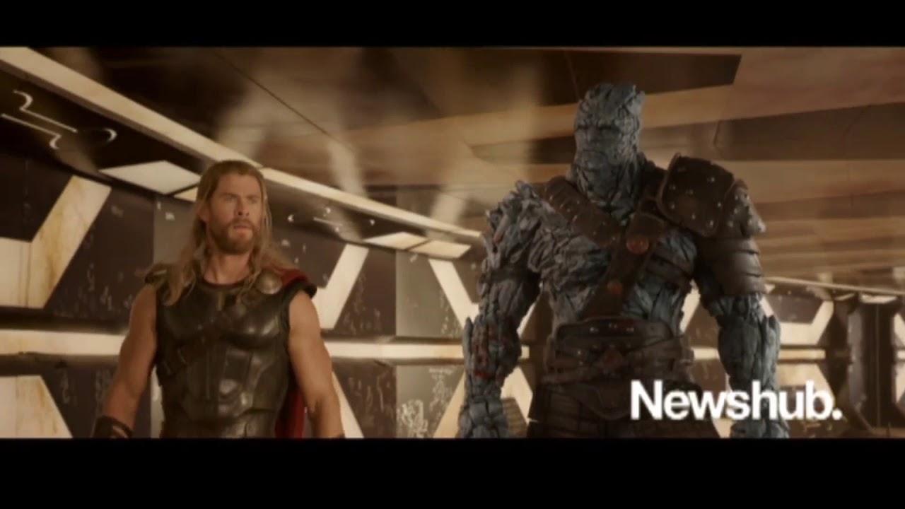 Thor Ragnarok Korgs Introduction Rock Paper Scissors Joke Youtube