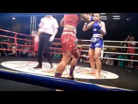 Wondergirl [Blue] VS French Girl [Red] Fight for the Trophy Champion