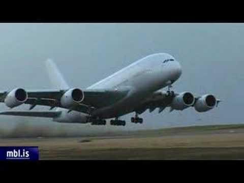 A380 cross wind landing in Iceland
