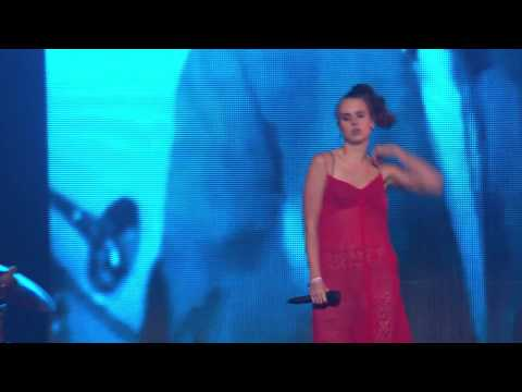MØ - Waste of Time live at the EBBA Award Show 2015