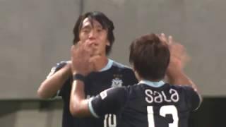 大井 健太郎(磐田)が左サイドからのFKを頭で流し込み、アウェイの磐田...