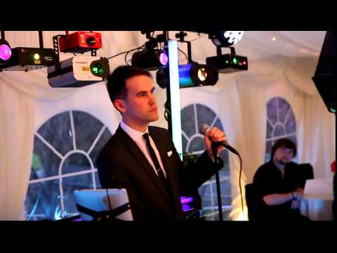 Kyle Harris performing 'Me & Mrs Jones'