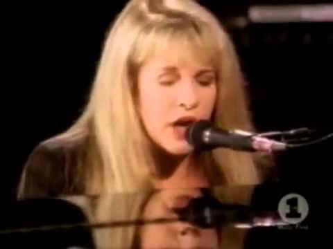 Stevie Nicks - Rhiannon (Story Tellers)