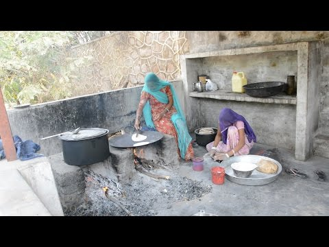 Indian Village Cooking.Village Woman making Tasty Food in Bhinmal,Rajasthan,India.भीनमाल.Rajasthani