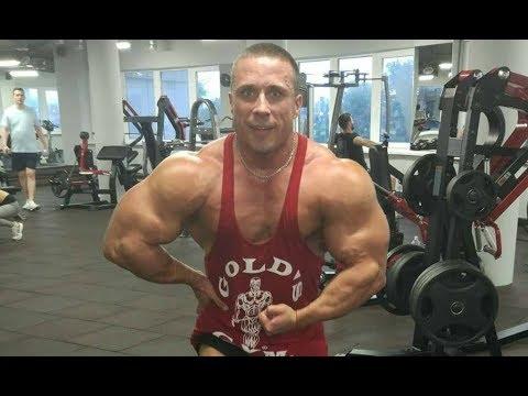 Убийца гигантов, чемпион мира по бодибилдингу в лёгком весе, Роман Ющенко.