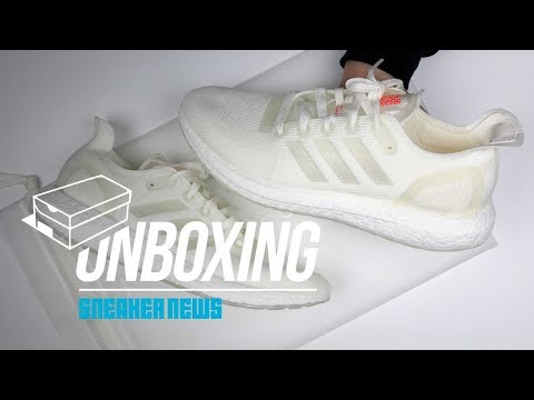Unboxing The adidas Futurecraft Loop - 100% Recyclable Shoe