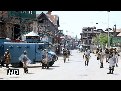 Curfew, shutdown continue for 33rd day in Kashmir