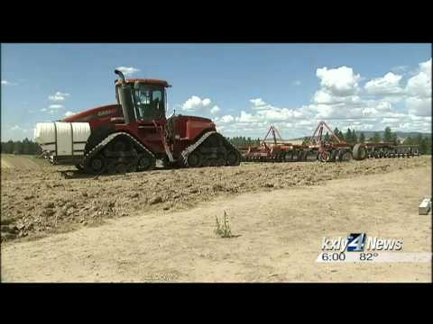Family fights fire to save their farm