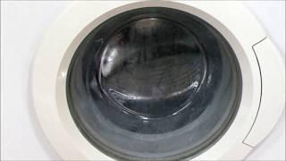 Jak wyczyścić pralkę i pozbyć się niemiłego zapachu