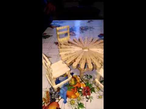 Sedie Fatte Con Mollette Di Legno.Tavolo Con Sedie